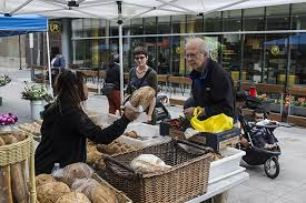 hyde park farmers market makes its return to court