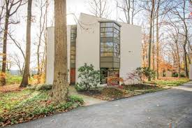 frank lloyd wright inspired u0027treehouse u0027 in exton asks 595k