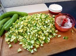 cuisiner courgettes brunoise de courgettes la recette facile par toqués 2 cuisine