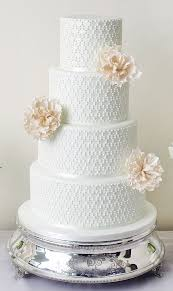 tiered wedding cakes 15 creative tiered wedding cakes modwedding