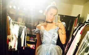 Miley Cyrus Halloween Costumes Miley Cyrus U0027s Cinderella Halloween Trick Treat