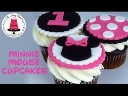 minnie mouse cupcakes minnie mouse cupcake toppers how to with the icing artist