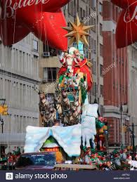 santa claus santa claus at the 2015 macy s thanksgiving parade in