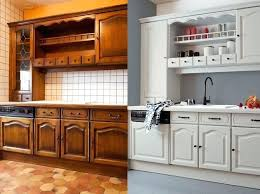 peindre des armoires de cuisine en bois peinture armoire cuisine finest avantaprs peinture duun meuble de