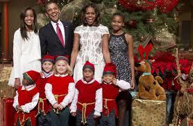 Adorable Elf Photobombs Obamas U0027 Christmas Card Pic