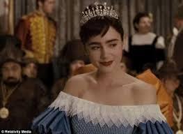 mirror mirror movie snow white adaptation features julia roberts