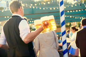 travel guide how to have an epic oktoberfest 2017 for cheap