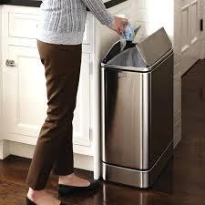 poubelle design cuisine grande poubelle de cuisine poubelle cuisine coulissante 1 bac 40l