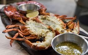 cuisiner le homard congelé homards au beurre à l ail sur bbq recettes du québec