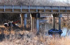 man seriously injured when car crashes off 67 and into flat river