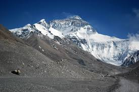 film everest warszawa mt everest 2009 discovery channel goes with img himalman s weblog