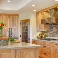 Kitchen Cabinets Designs Photos by Kitchen Remodel With Oak Cabinets And Gray Wall Paint Colors And
