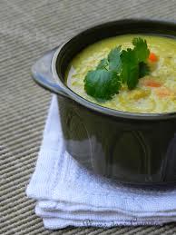 comment cuisiner les lentilles soupe de lentilles rouges au curry et curcuma une plume dans la