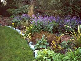 pictures of flower garden borders 25 best ideas about flower bed
