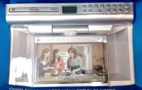 Kitchen Cabinet Radio Cd Player by New Venturer Klv39082 8 Under Cabinet Kitchen Tv With Dvd Player