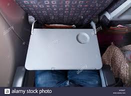 easyjet siege table plateau de siège passager dans la position d abaissement