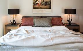Bedroom Rustic - 20 versatile rustic decor pieces for your home