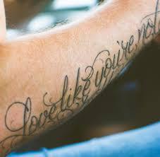 tattoos männer sprüche körperschmuck wirklich nur zehn prozent der deutschen sind