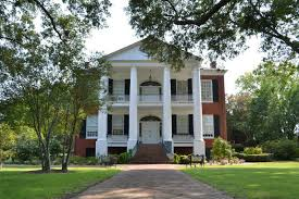 modern plantation homes natchez history and culture devereaux shields house