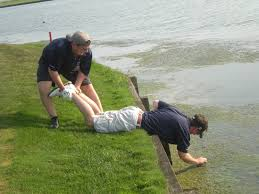 funny golf pictures how to retrieve your golf ball wam golf