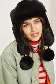Seeking Jamiroquai Hat Ora Dons Dramatic Hat In New York Daily Mail
