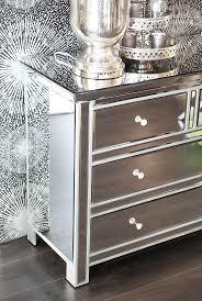 Schlafzimmer Schrank Und Kommode Die Besten 25 Kommode Silber Ideen Auf Pinterest Silber Bemalte