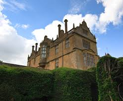 file side of montacute house 4675780977 jpg wikimedia commons