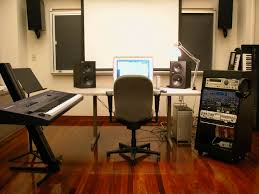 Studio Desk Furniture by How To Make A Simple Recording Studio From A Bedroom Youtube