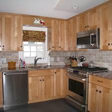 kitchen backsplash ideas for light maple cabinets http latulu