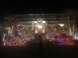 Dyker Heights Christmas Lights Festively Bonkers Welcome To The Dyker Heights Christmas Light