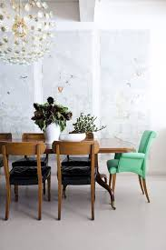 25 amazing dining rooms with wallpaper