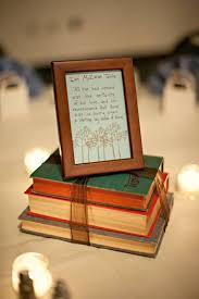 Vintage Wedding Centerpieces For Sale by Best 25 Book Centerpieces Ideas On Pinterest Book Wedding