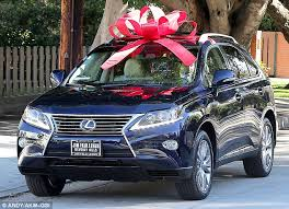 new car gift bow kaley cuoco surprises layne with a 40 000 lexus for