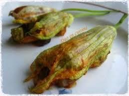 cuisiner fleurs de courgettes fleurs de courgettes farcies aux légumes d été recette ptitchef