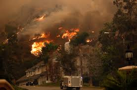 Wildfire La Area by Wildfire Near The Edge Of L A Burns 2 Homes