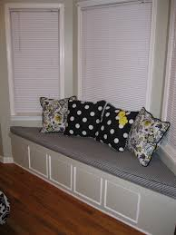 fresh decorating ideas for a bay window 4868