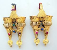 gujarati earrings adornments