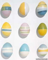 Easter Egg Decorating Rubber Bands by Never Listless 19 Funky Ways To Decorate Easter Eggs