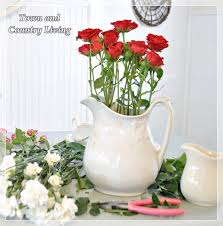 Single Rose In A Vase Tips For Arranging Fresh Flowers Town U0026 Country Living