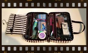 vinmaquillage what u0027s in my makeup travel kit