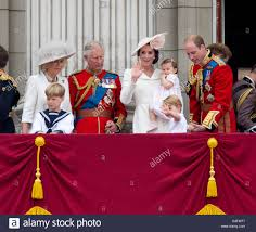 uk 11th june 2016 the royal family at the balcony