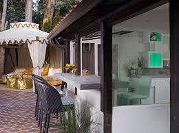 Indoor Outdoor Kitchen Designs Breakfast Bars That Make A Stylish Statement Indoor Outdoor