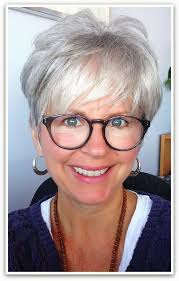 pixie hairstyles for women over 70 i love the look grey hair great cut great glasses