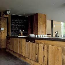 meuble cuisine en bois brut lounge chair vitra comptoirs en bois planche de pin et comptoir