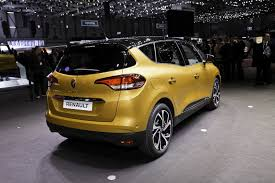 scenic renault 2017 new renault scenic blurs the styling line between minivans and