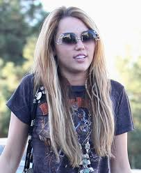 whats the name of the haircut miley cyrus usto have celebrity miley cyrus hairstyles pictures of miley cyrus