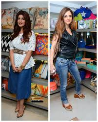 Twinkle Khanna Home Decor Twinkle Sussanne And The Gang Get Together For Some Fun