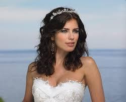 Frisuren Lange Haare Offen Tragen by Frisur Für Trägerloses Kleid 33 Hochzeit Und Abiball Ideen