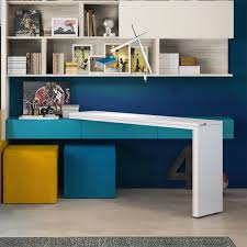 rotating mechanism allows workshop table to swing out from wall