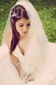 wedding hairstyles half up half down with braid and veil